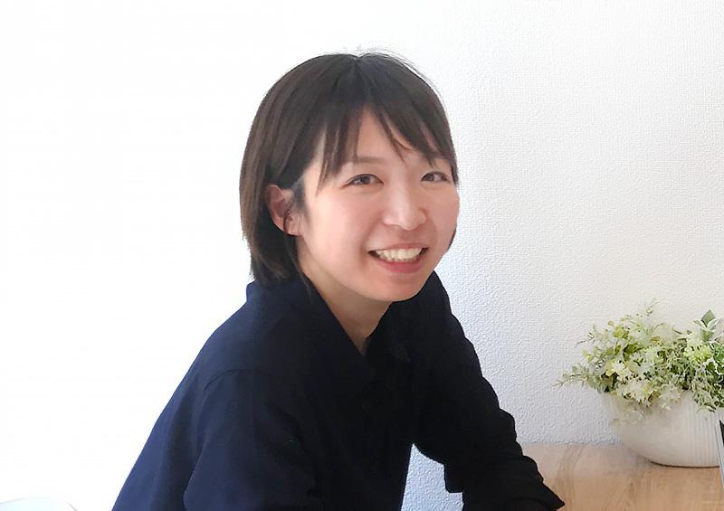 システム開発会社の女性社員